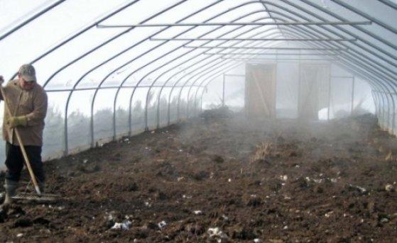 Как подготовить тепличные строения и землю к новому сезону.